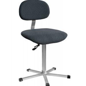 Töötool, õmbleja tool.